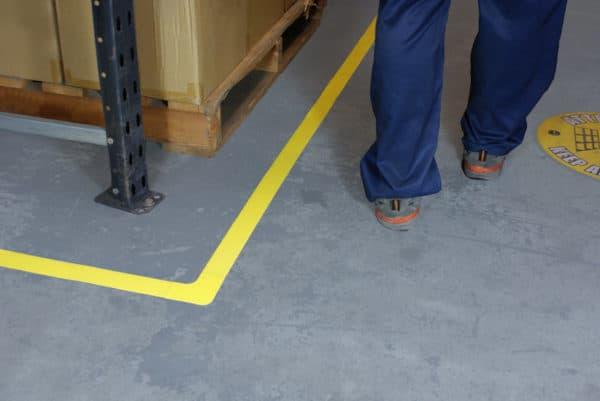 cinta adhesiva suelo