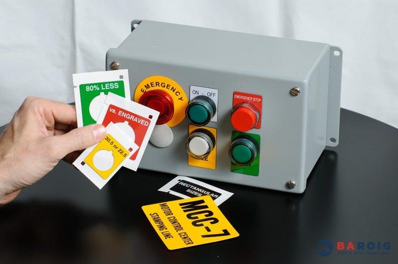 Placas para cuadros eléctricos con impresoras Brady