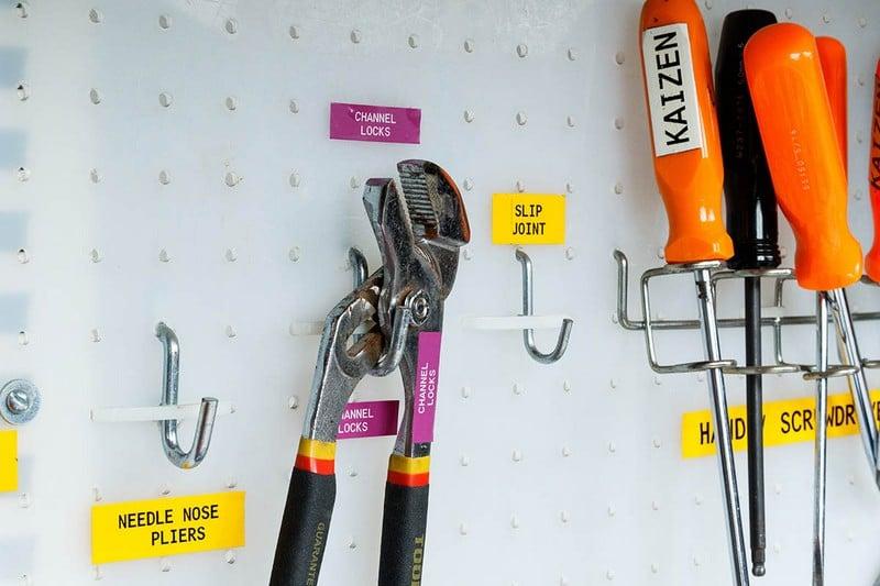 Aplicaciones etiquetadora brady bmp21 - Señalización de herramientas.
