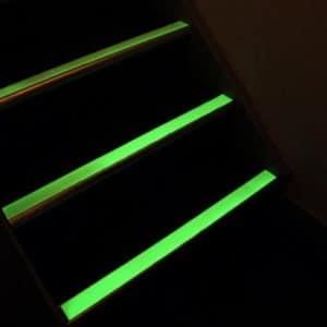 Cinta antideslizante fotoluminiscente