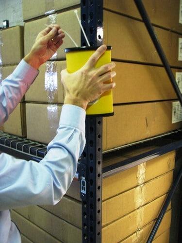 Montaje magnético del avisador de colisiones para almacenes