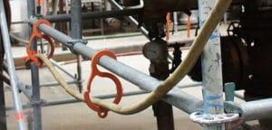 Gancho para colgar cables y mangueras