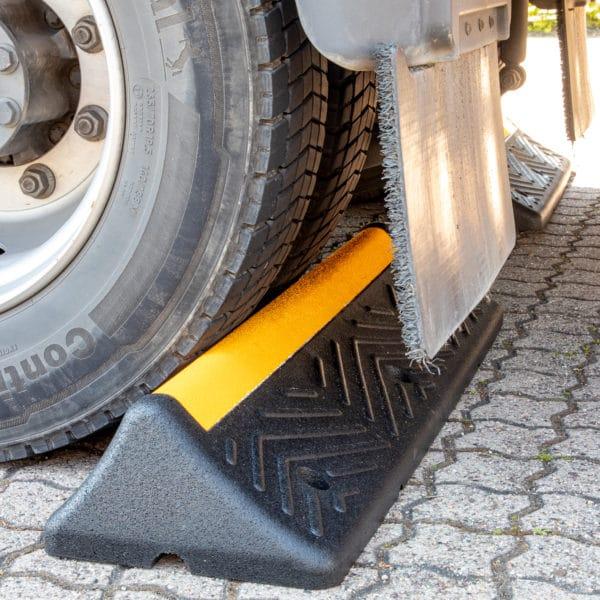 Tope de parking para camiones (1)