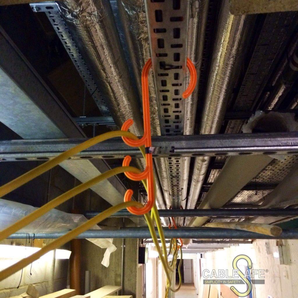 Gancho para colgar cables