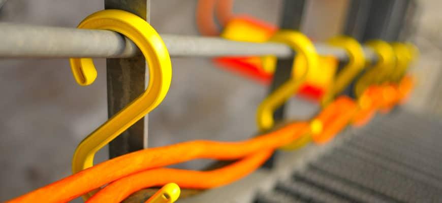 ganchos para colgar cables